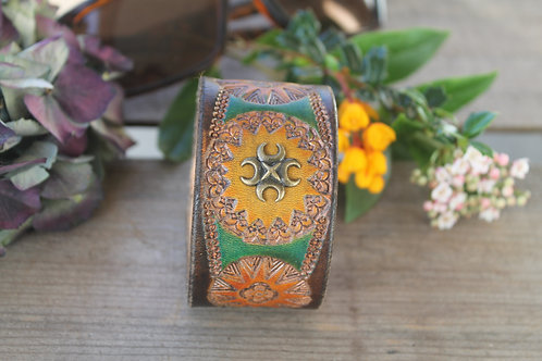 Autumnal Wristband with decorative stud