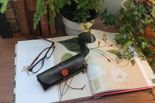 Glasses case Chocolate Orange | Triangular shaped case