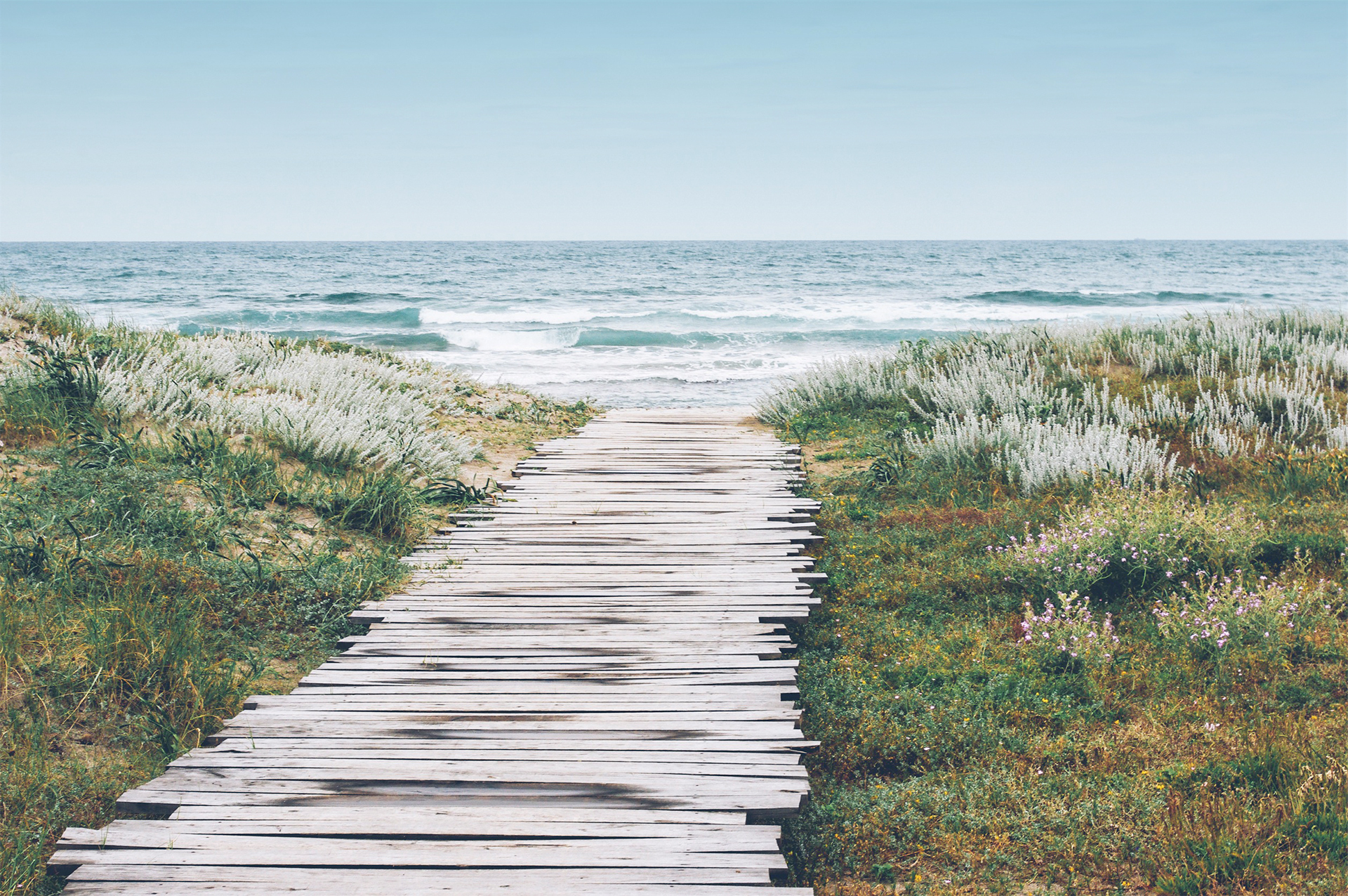 Pathway to your day by the surf