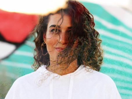 """Naama Guggenheim (Israel) """"SOS"""": Una obra maestra sobre las relaciones tóxicas, su país y la música."""