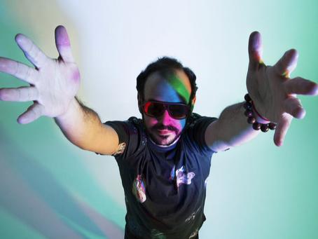 """José Hoek nos presenta """"Cirrus"""" con un toque electro orgánico y una historia fuera de este planeta."""