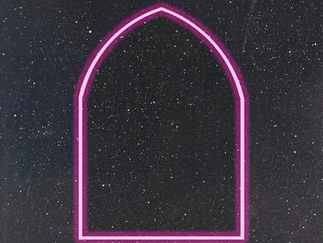 "NRVS LVRS nos presentan su remix de ""Far Away"" junto a Mahawam."