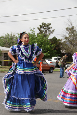 La Fe Floklorico Dancers_edited.JPG
