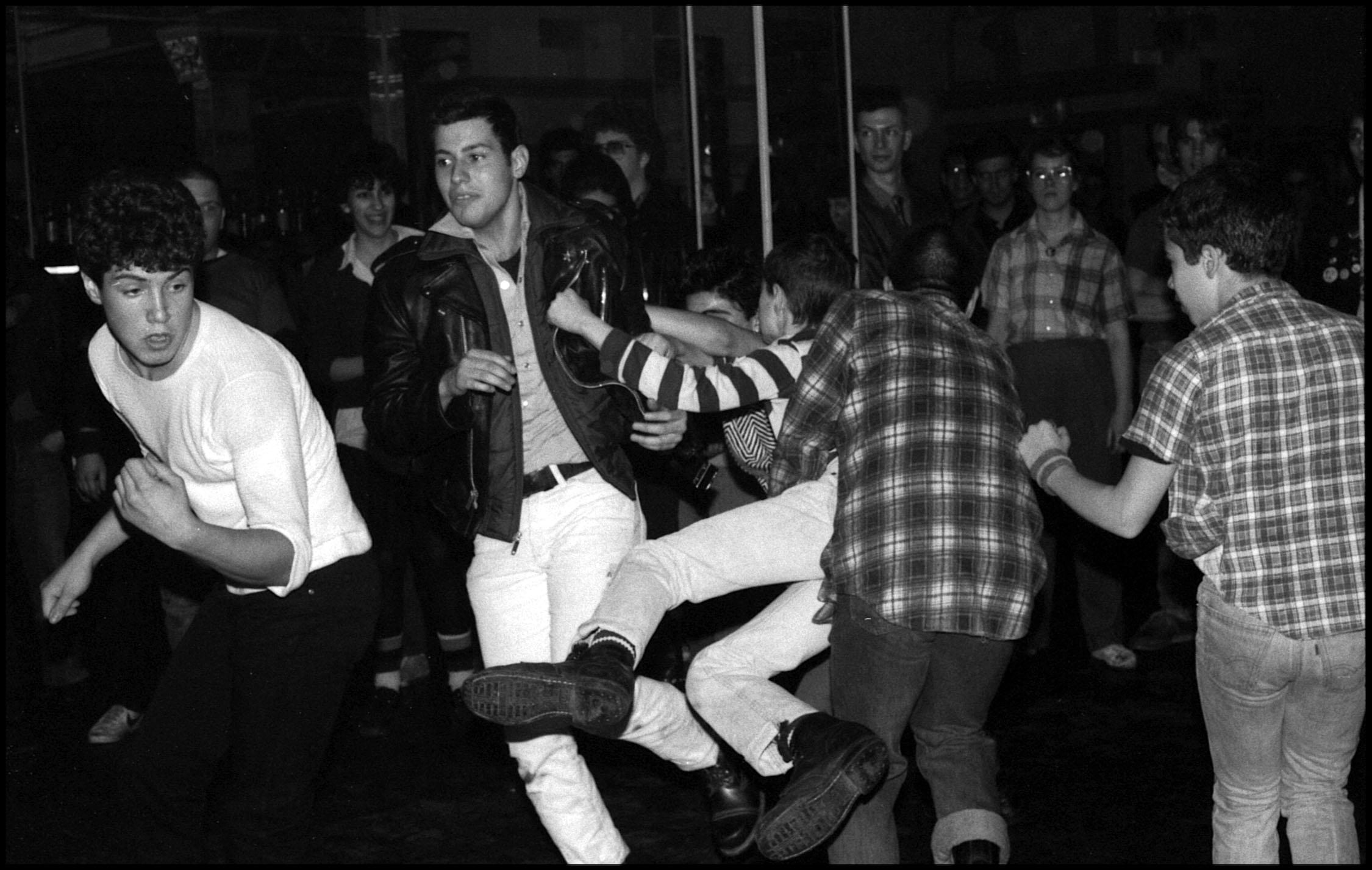 Slam Dancing, 1982