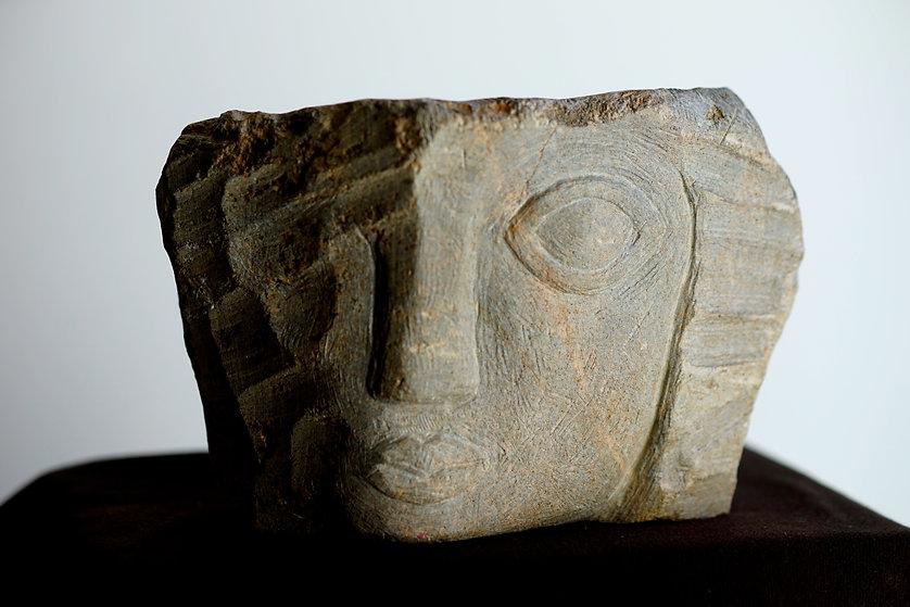 Samé sculptures, les sculptures de Sarah Bienaimé, J'attends La Mer, pierre