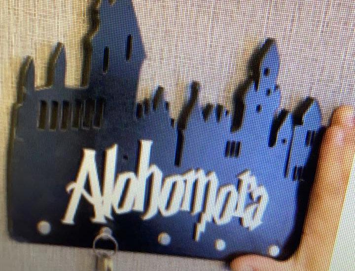 Porta Chave de Casa Madeira Harry Potter Alohomora - 25x30cm