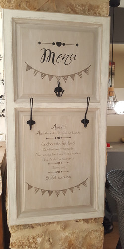 Menu transformé en Porte manteau