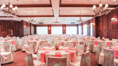 THE CARRUTHERS SIGNATURE BALLROOM