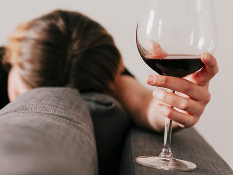 Mecanismo inflamatório no cérebro pode ser usado no tratamento do alcoolismo