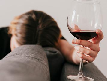 Perda de consciência induzida por álcool ligada a maior risco de demência