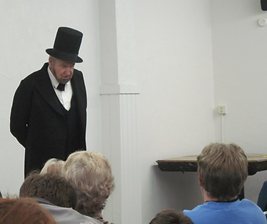 Presenter dressed as Abe Lincoln
