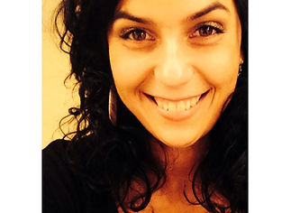 Laura Anstee Headshot.jpg
