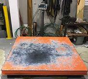 引取した少量銅スクラップの計量用秤。小分けされた銅管、銅板、電線などは1キロ単位で計量いたします。