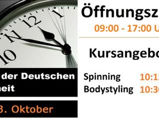 Unsere Öffnungszeiten und Kursangebote am Tag der Deutschen Einheit.