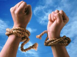 Como romper creencias limitantes
