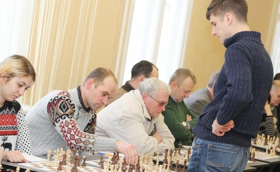 сеанс одночасної гри в шахи