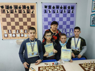 Демонстраційна шахова дошка від CHESSBOARD.com.ua - вибір професіоналів