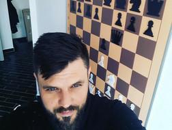 Демонстраційна шахівниця на стіні вдома - мрії збуваються !