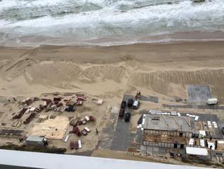 Opbouwen strandpaviljoens alweer in volle gang!