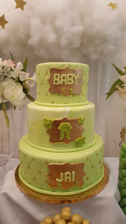 Baby Shower green and gold