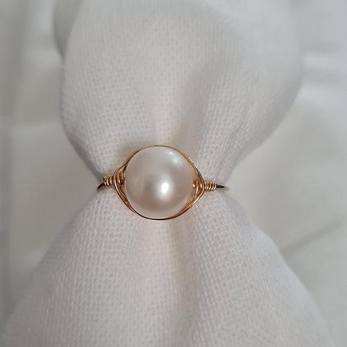 The Sophia Pearl Ring