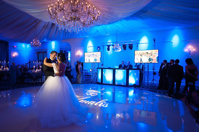 DJ-Booth-with-Video-Screens-Truss-Lights