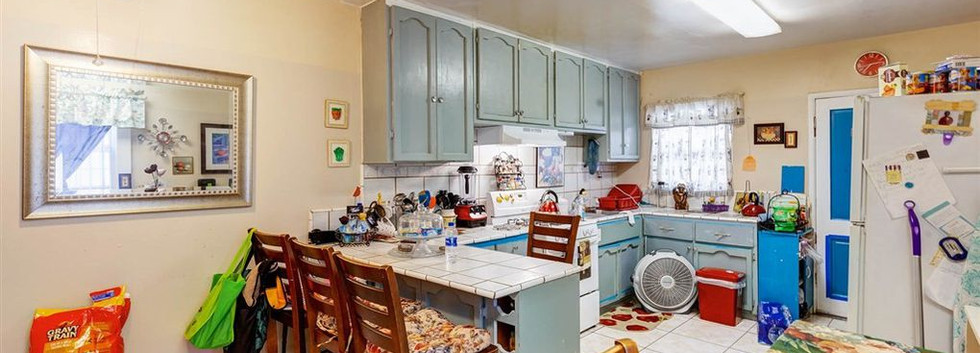 gst_kitchen2.jpg