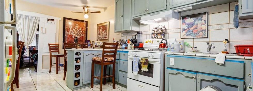 gst_kitchen.jpg