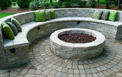 Paver wall and fire pit