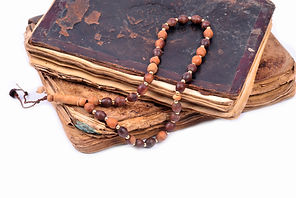 bigstock-Muslim-Rosary-On-The-Holy-Qura-