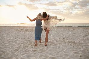 bigstock-Woman-Friends-Enjoying-A-Day-O-