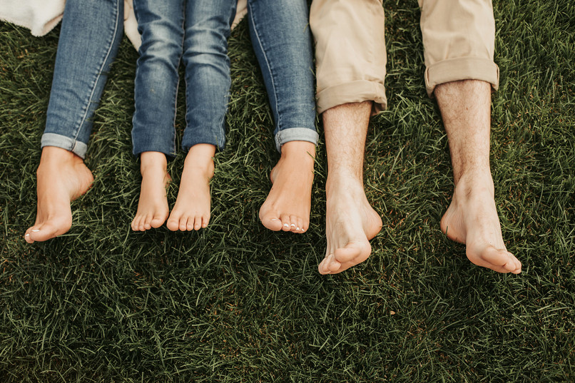 bigstock-Family-Feet-Locating-On-Cozy-G-