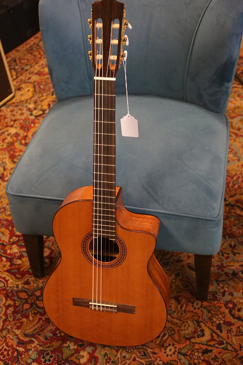 Cordoba C-5 Classical with Electronics / Hard Case