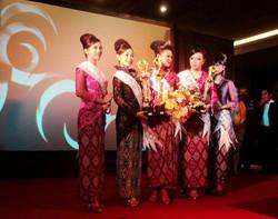6Putri Indonesai Sulut.jpg