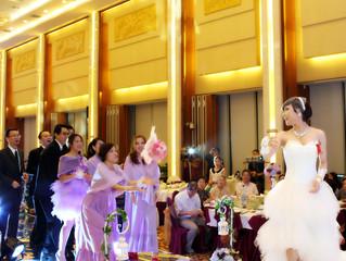 分享如何订购平价婚纱和姐妹装