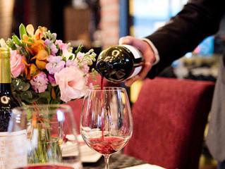 【專家教你揀酒貼士!】 話明去飲,酒類梗係要預足!你又知唔知: 每圍酒席應預備多少種類及多少支餐酒? 紅、白酒的數量應如何分配呢?