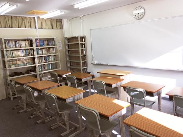 アテネ大教室