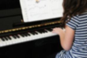 piano-606080_1920.jpg