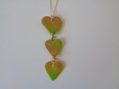 3 gradient hearts pendant