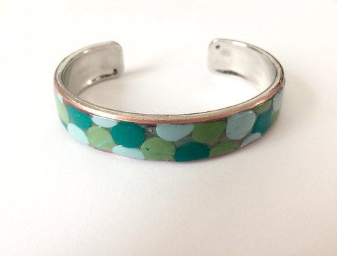 Bracelet vert à pois en pâte polymère