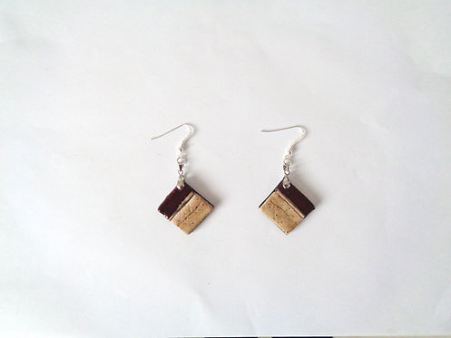 Square Nature burgundy color earrings