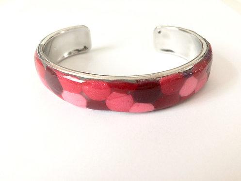 Bracelet rouge à pois en pâte polymère