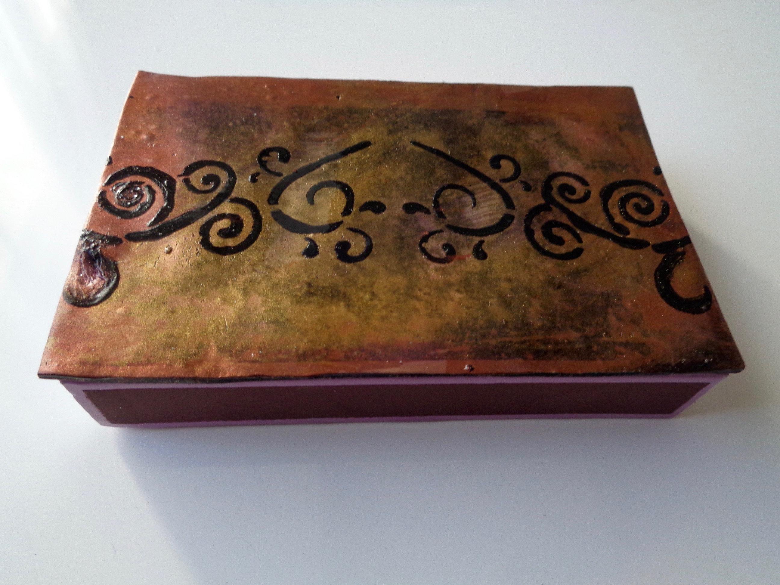 Mediumbronze matchbox