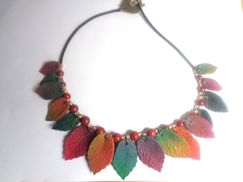 Necklace in polymer clay and coral beads