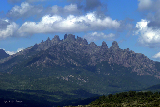 Aiguilles de Bavella, Vue depuis Castellu de Cucuruzzu