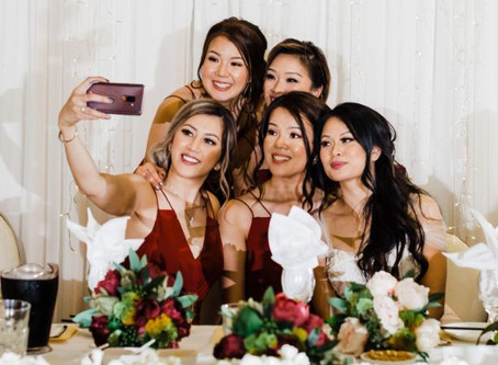 Nothin' better than a bridal selfie.