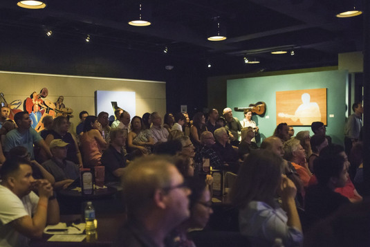 039 EVJCNASH - Audience shot full house