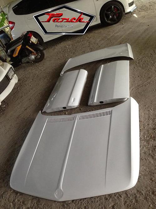 BMW 2002/i Fiberglass Doors, Bonnet/Hood and Trunk/Boot Lid