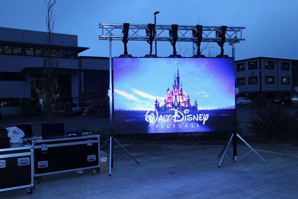 LED mobile cinema screen