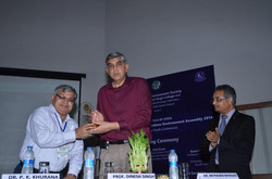 3. Principal Dr. P.K.Khurana welcoming Prof. Dinesh Singh